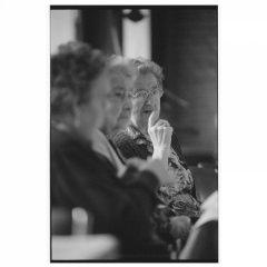 Dames bejaardenhuis Zundert / analoge dokaprint (site = scan dokaprint)